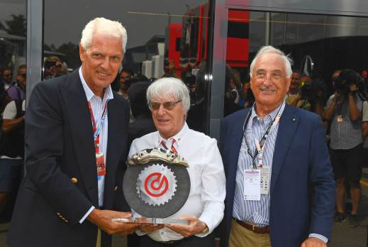 Alberto Bombassei, Chairman of the Brembo Group, presented the trophy for the 2016 edition of the 'Bernie Ecclestone Award by Brembo' to Marco Tronchetti Provera